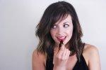 usta pomalowane szminką kupioną przez Internet